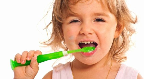 7 diseases to deal early known from bad breath in child