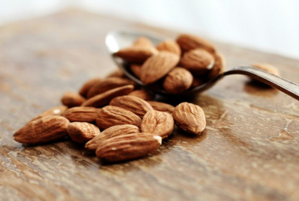 7tips for Making Skin Smooth with Almond's Nutrient